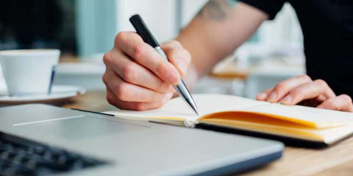 Guide on How to Choose a Good Essay Topic Out Of The Box