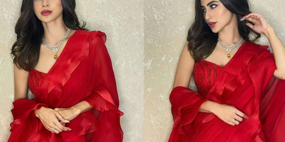 Why do Indian ladies wear saree?