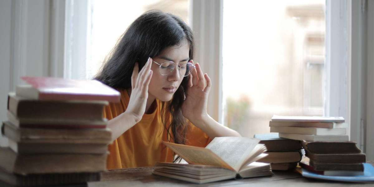 What Are the Major Issues Faced by Students while writing a Dissertation?