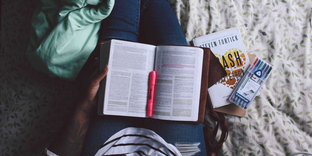 5 Strategies to Cut Your Thesis Writing Time Into Half!